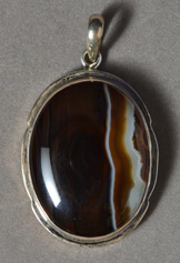 Brown and white agate pendant.