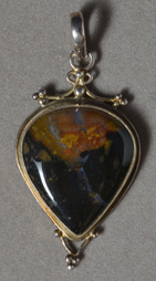 Suleiman agate pendant with sterling silver.